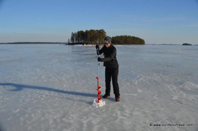 ice fishing hole - photo #42